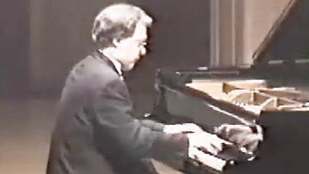 戈多夫斯基根据肖邦27首练习曲改编的练习曲No.1(根据op10-1改编)、No.18(根据op10