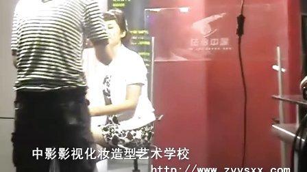 北京中影影视化妆学校学生为《法治中国》栏目化妆
