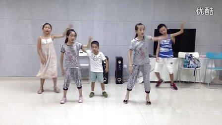 花朵艺术团声乐表演班第一二节《快乐女孩》教学内容