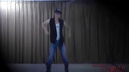 美女酒吧领舞教学视频d