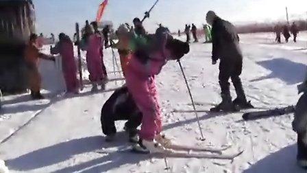 冰雪盛会冰雪情 赏灯滑雪到延庆