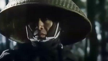 《斩虎屠龙剑2:沙漠大厮杀》又名: 带子雄狼1974保持了第一集的水准,影片最后的沙漠大决斗场面非常