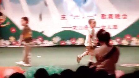 六一搞笑儿童时装表演