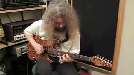 Guthrie Govan playing to BB King style