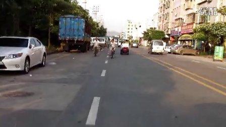 无需驾照,可以上路驾驶的四轮电动代步车