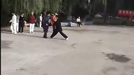 剑舞瑛姿形意拳对练