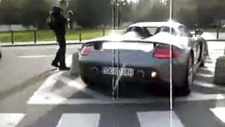 高清 华沙街头的卡雷拉GT