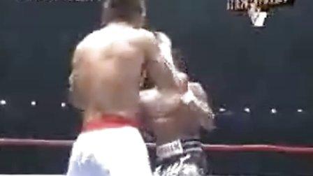 【侯韧杰  Muay Thai  精华篇】之 播求 钢筋 腿法!