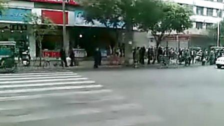 金堂犯人游街