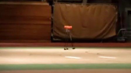 Cornell大学打破了机器人步行的世界纪录