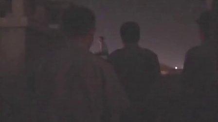 【拍客】女子遭强奸怀孕 寻有妇之夫未果欲跳楼