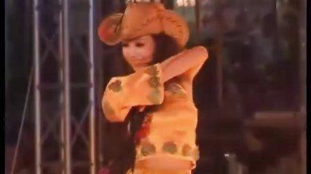辽宁沈阳舞蹈队演出、民族舞藏族舞,在赤峰啤酒节开幕演出