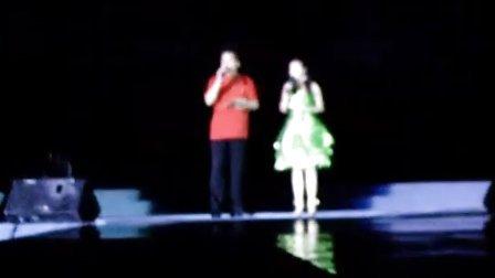 瑶瑶和毕福剑一起主持视频2
