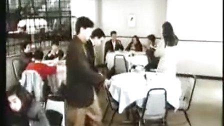 香港经典爆笑鬼片《有鬼住在隔壁》