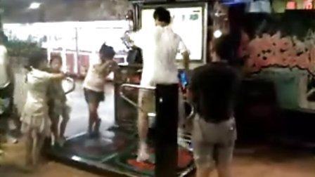 在拱北地下商城发现广东跳舞机牛人!!折服 - -  处处原创
