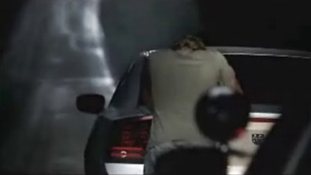 最会抓拍夜间超车的女警