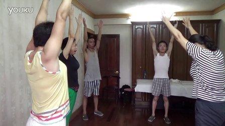 武汉平康养生馆 学员 练习 垂柳弯腰