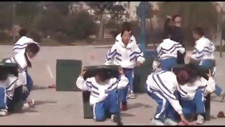 小学体育课例《抛彩球》(执教:卞晓飞)