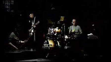 小熊饼干乐队 - -Silence MTV     [mhkzcj]
