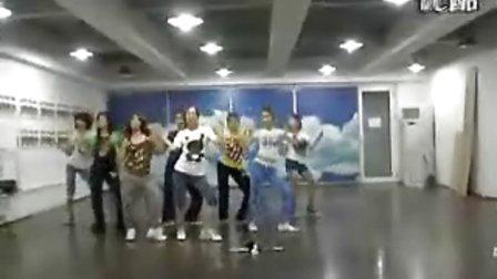 少女时代-Genie 在练习室的最初版本