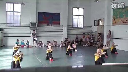 吉安县小燕子培训学校---中国舞班·含展横移