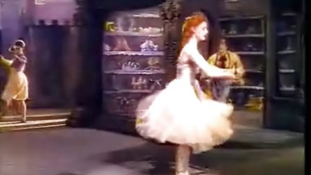 芭蕾经典《红舞鞋》之一(红菱艳)很多世界级舞蹈大师的入门级观摩电影!