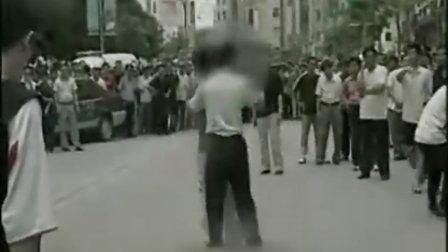 少年被劫持警方神勇救人