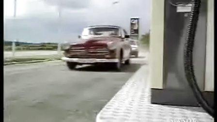 最会赛车纠缠的警察