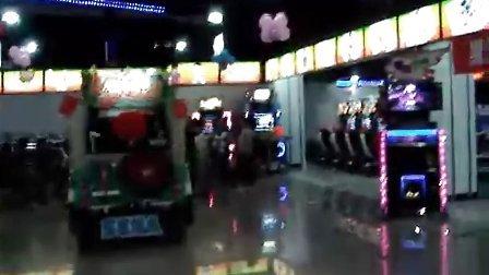 朝阳门悠唐金银岛电玩   庆跳舞机5代入店小聚