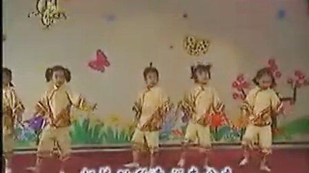 """献给  """"六一"""" 儿童节    少年歌曲   儿歌舞踏    采蘑菇的 小姑娘  MTV"""
