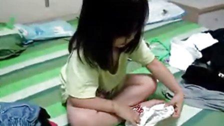 【超萌】小lOLI教你叠衣服!