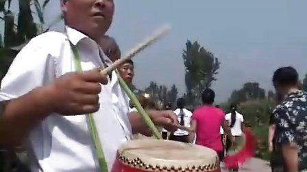 悟空寺红大爷狂扭大秧歌