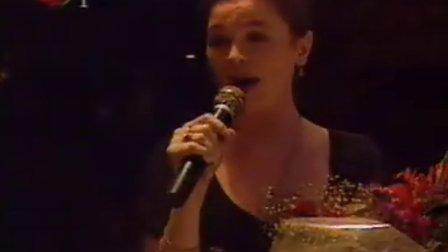 辣瓣手风琴为俄罗斯红军歌舞团娜塔莎即兴伴奏中国歌曲