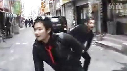 韩国街头爆笑二人组