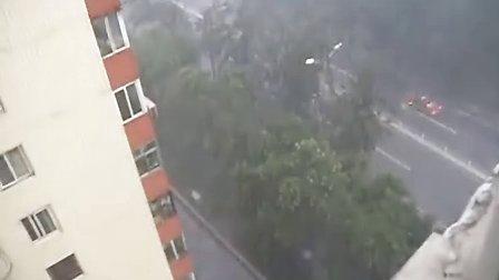 北京少见的倾盆大雨