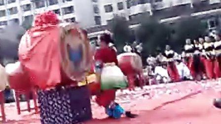 湘西苗鼓王的表演