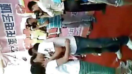 石家庄接吻大赛第二波 我靠 这女的门 一个个都是练舞蹈的吧
