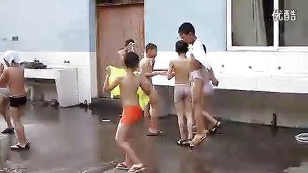 小學生洗澡堂