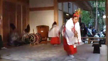 月日の巫女舞・振鈴と白扇  鶴峯八幡宮十二座神楽