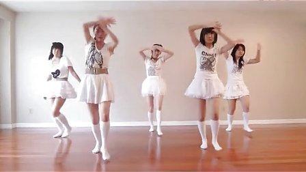 白色超短裙美女热辣诱人热舞!