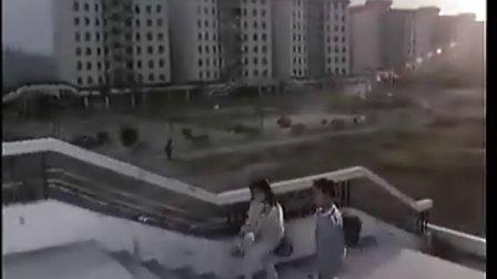 儿童科幻电影《霹雳贝贝》(1988)
