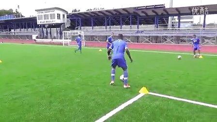 策应中场停球转身训练