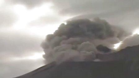 《日本樱岛火山喷发》