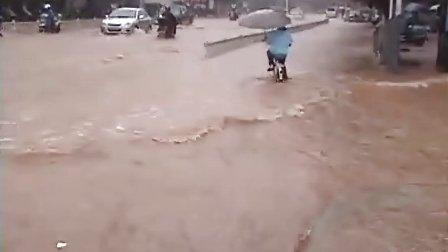 江西定南县六月二十一日县城水灾