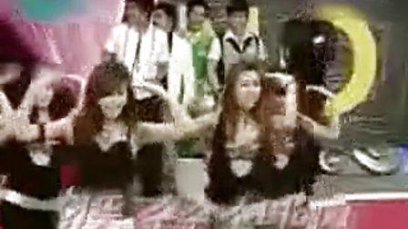 韩国《情书》节目未公布的美女劲舞