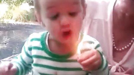 金发小萝莉卖命吹蜡烛吹不灭【谷姐特搞队】