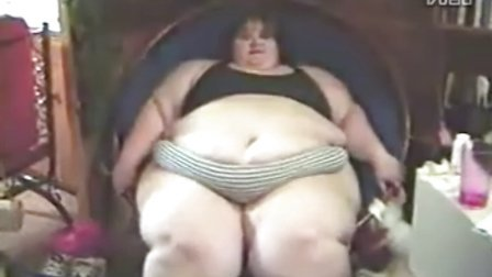 胖女人独特的鼓掌方式