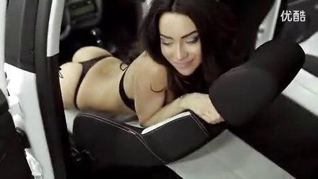 西雅特美女卖车广告