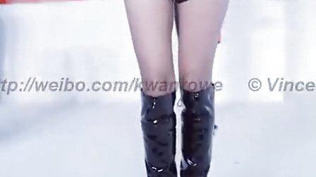 美女车模-美女还是不少的!实拍中国摩博览会车模
