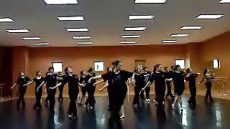 舞蹈团排练